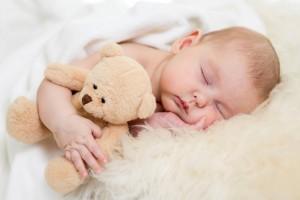 bebelus dormind