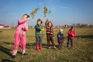 """""""Padurea copiilor"""": sa plantam un puiet pentru fiecare nou nascut din Romania"""