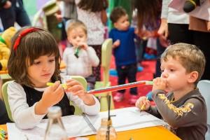 Peste 200.000 de copii cu varsta prescolara din Romania au nevoie de servicii de sanatate mintala