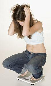 Adolescentii care se cantaresc prea des, suspectati de tulburari psihologice
