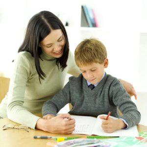 Meseria de insotitor al copilului cu autism, predata la cursuri ale societatii civile