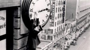 Românii trec la ora de iarnă pe 30 octombrie; mersul trenurilor rămâne acelaşi