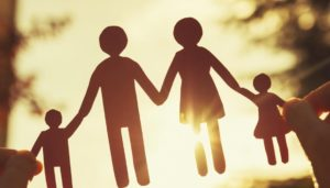 Definirea familiei in Constitutie a primit raport favorabil in Senat