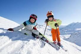 Sporturile de iarnă sunt sănătate curată! Iată ce beneficii pot aduce!
