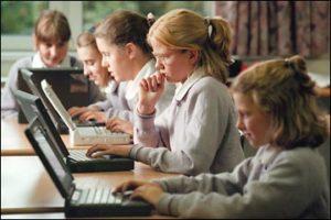Toate școlile vor avea internet prin Wi-Fi