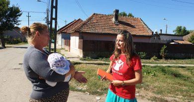 Patru noi programe de prevenire a instituționalizării pentru copiii vulnerabili din județele Brașov și Mureș