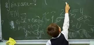 Ce spun specialiștii despre redeschiderea școlilor, de la toamnă: clase de 15 elevi; profesorii, obligatoriu cu măști