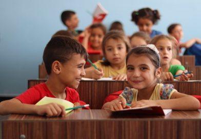 Trendul epidemiologic descendent, condiţie esenţială pentru revenirea elevilor la şcoală cu prezenţă fizică