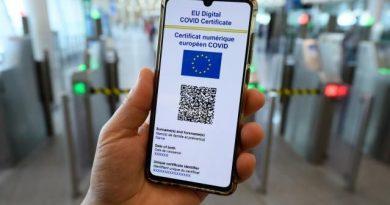 România adoptă certificatul verde COVID. Este obligatoriu pentru acces la restaurante, spectacole, evenimente private, locuri de joacă dacă incidența trece de 3 la mie