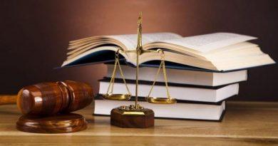Proiect de lege votat de Parlament: Elevii vor studia obligatoriu educaţie financiară şi educaţie juridică începând cu anul şcolar viitor